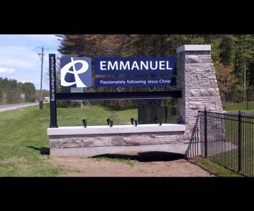 Emmanuel-pylon